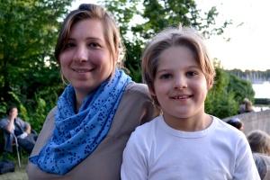 Annette Kühn von luxbooks zusammen mit Sohn Jonathan
