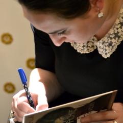Nino Haratischwili signiert ihren Roman »Das achte Leben (Für Brilka)«