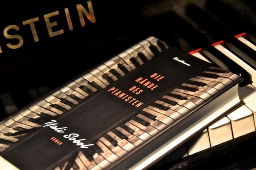Yali-Sobol-Die-Haende-des-Pianisten